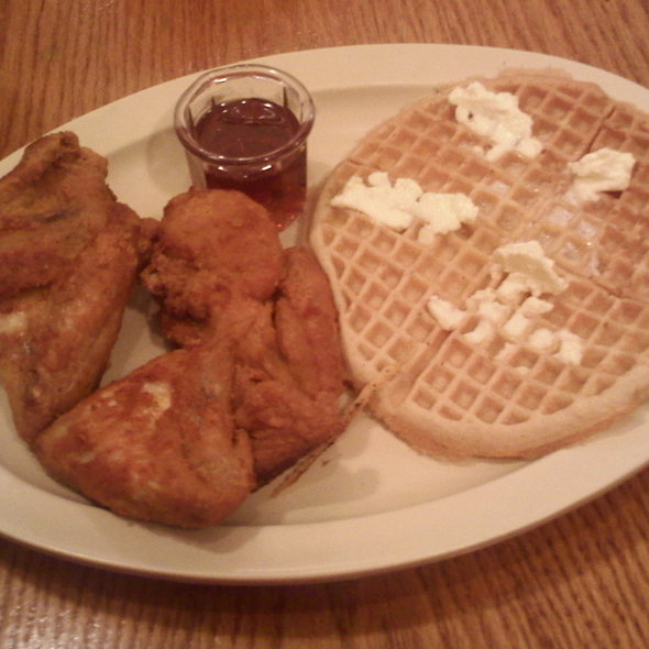 Country Boy @ Roscoe's House of Chicken