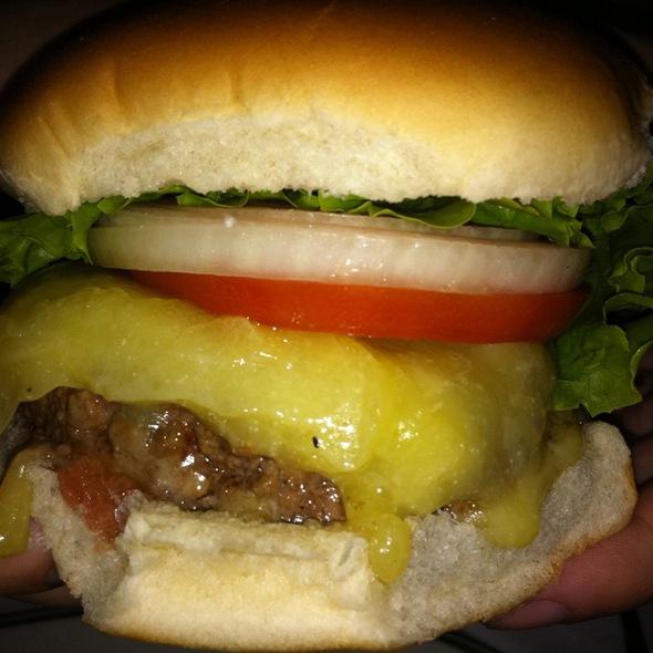 Cheeseburger @ PJ Clarke's