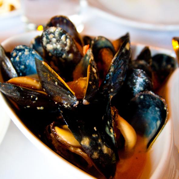 Sake-Steamed Mussels @ Tomi-Kro
