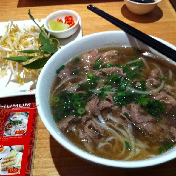 Raw Beef Noodle Soup