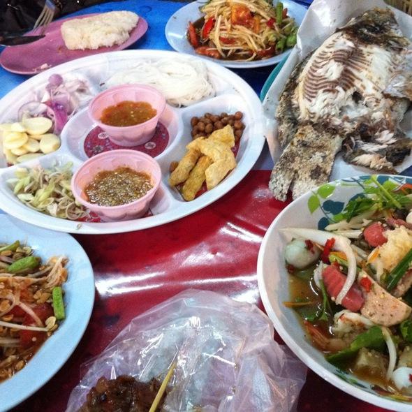 Grilled Filet Fresh Fish (Pla pao) @ UD Bazaar