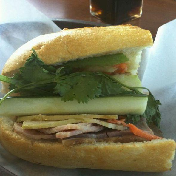 Banh Mi @ Lee's Bakery
