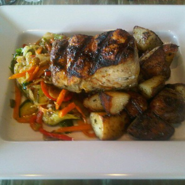 Blackened Mahi Mahi @ Jimmy'z Kitchen Wynwood