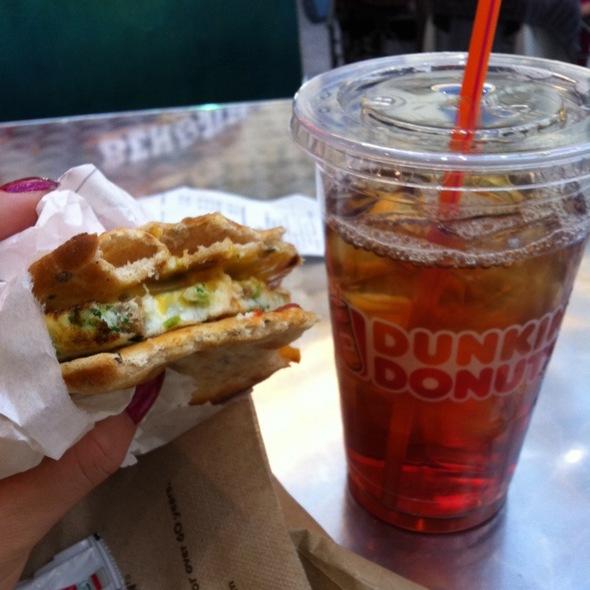 Veggie Egg White Flatbread @ Dunkin Donuts