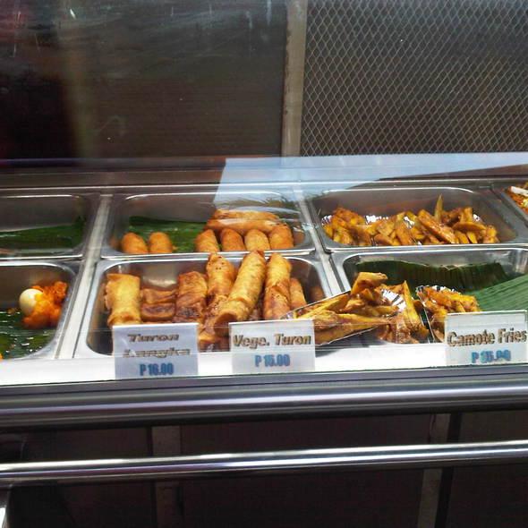 Kwek Kwek, Turon, Veggie Lumpia, Camote Fries @ Baker's Hill