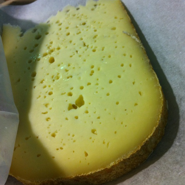 "Hibernia Cheese (Find It At ""On The Pigs Back"") @ Cork English Market"