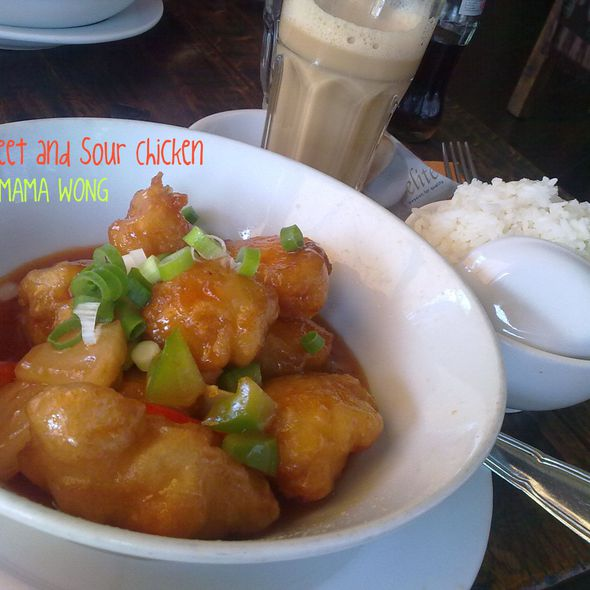 Sweet And Sour Chicken @ mama wong