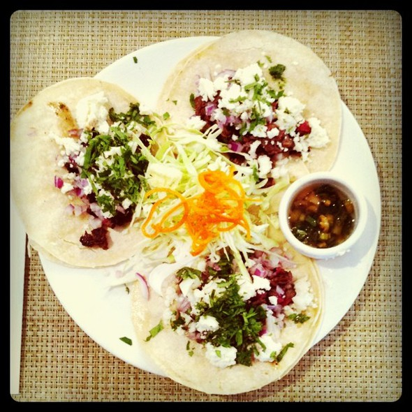steak tacos for lunch in palo alto @ Calafia Cafe