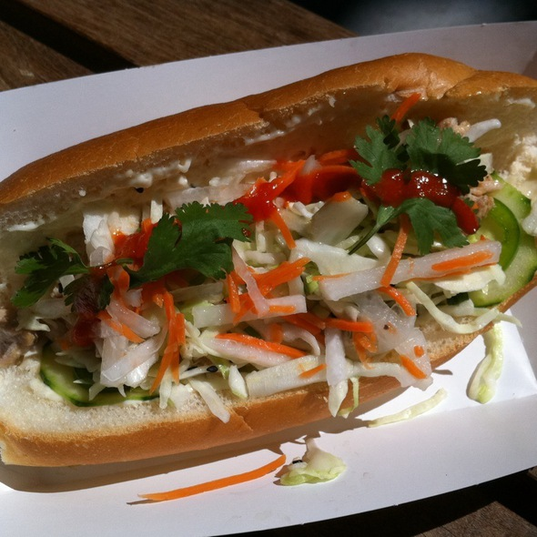 Coconut Ginger Chicken Banh Mi @ Fusion On The Run