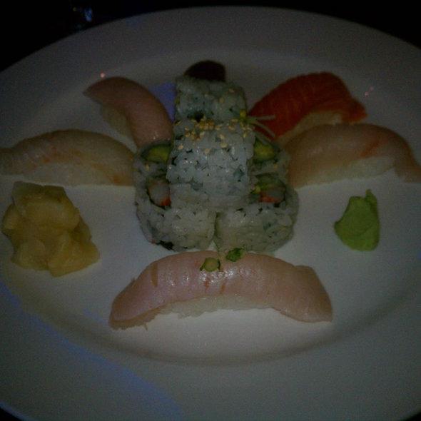 Sushi @ Kiku Sushi