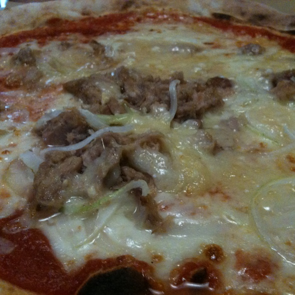 Pizza with Tuna & Onion