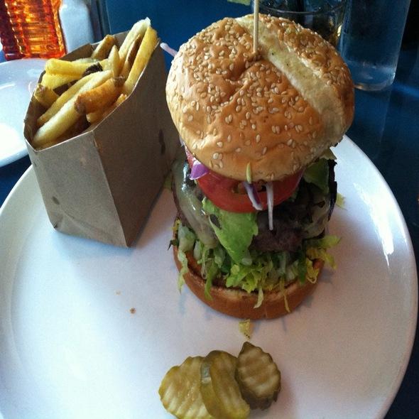 Avocado hamburger @ The Original Dinerant