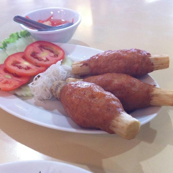 Minced Prawn Fried on Sugar Cane Skewer