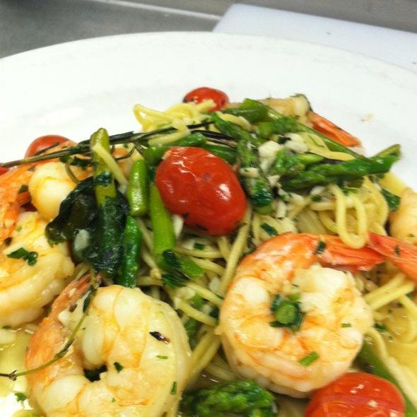 Shrimp Asparagus Tomato Garlic Homemade Spaghetti - Hot Tomato's, Hartford, CT