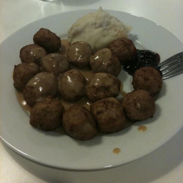 Swedish Meatballs @ IKEA San Diego, CA