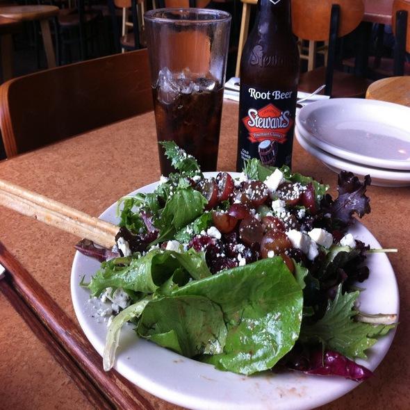 Salad @ Zachary's Chicago Pizza