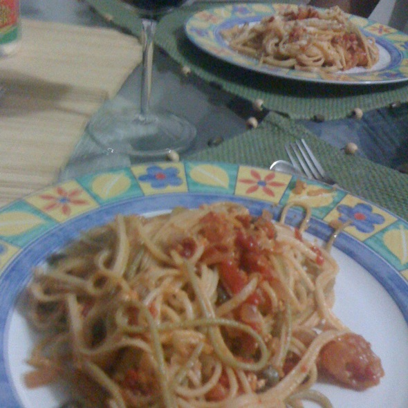 Spaguetti Integrales En Salsa De Ricotta Y Tomates Frescos Y Pimientos @ Opción 6