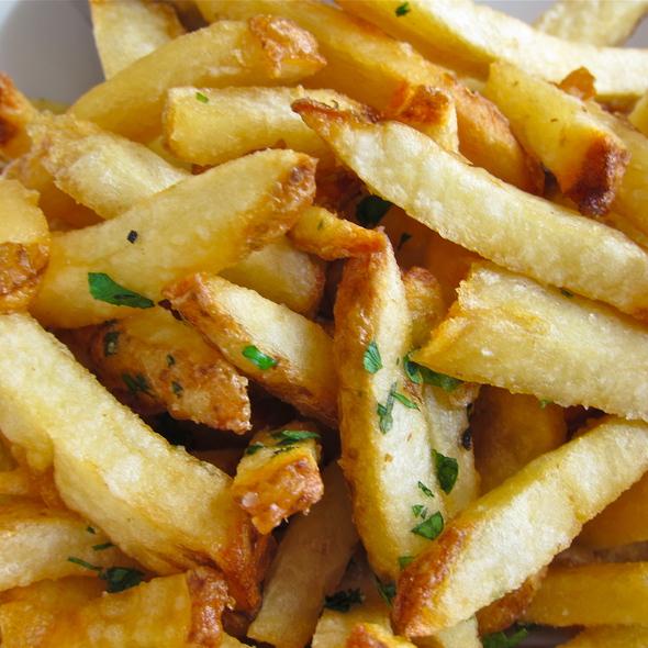 Extra Crispy Fries w/aioli @ blu restaurant