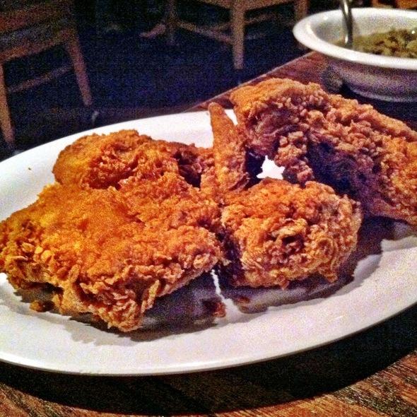 fried chicken @ Babe's Chicken Dinner House