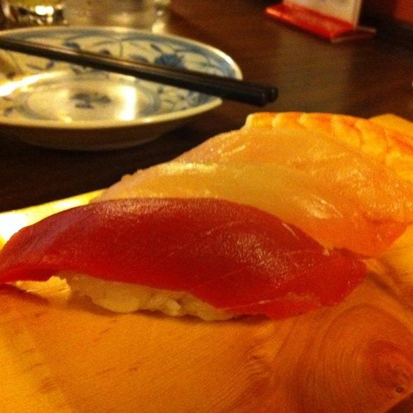 Nigiri Sushi @ Maneki Restaurant