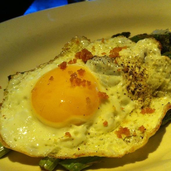 Asparagus With Romesco Sauce & Fried Egg @ Akasha