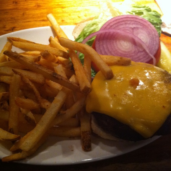 Cheese Burger @ Ulysses Folk House