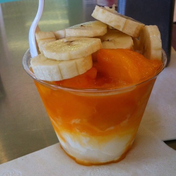 Mango Dango With Bananas @ Double Dip Frozen Custard