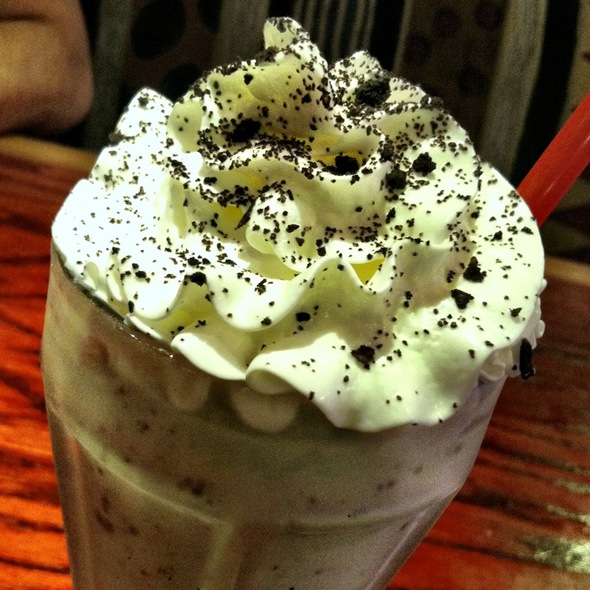 Mint Brownie Milkshake @ Red Robin Gourmet Burgers