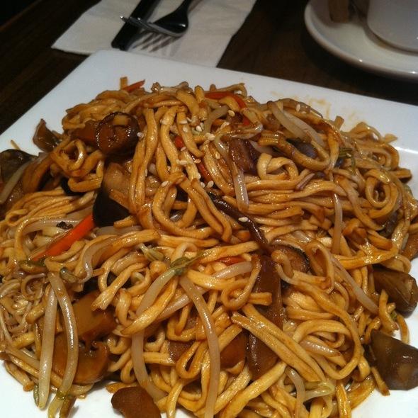 Mixed Mushroom E-Fu Noodles @ Copa Café