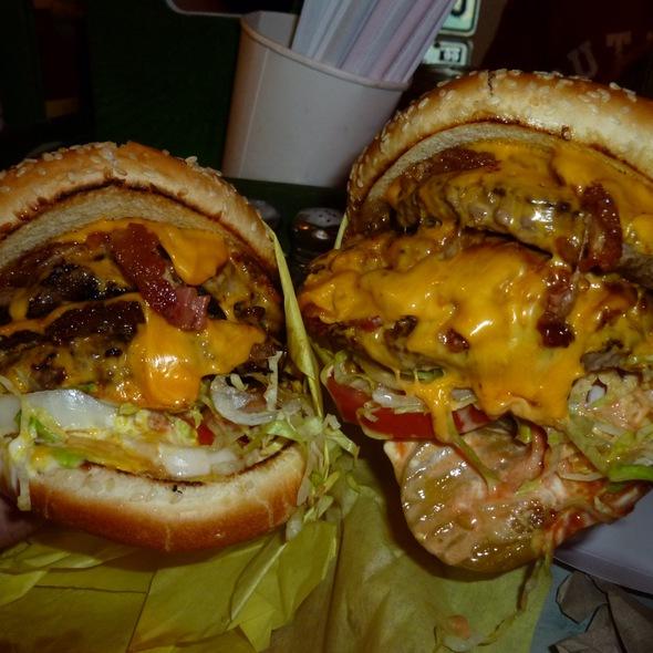 Cheesburger @ Hodad's Burgers (Downtown)