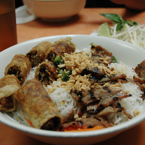 Imperial Rolls and Charbroiled Pork Vermicelli @ Pho Phu Quoc PPQ Beef Noodle House