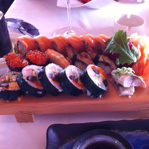 Sushi @ Sunset Grill&Bar