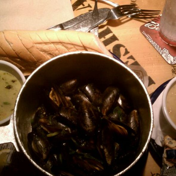 Pot O Mussels @ Bubba Gump Shrimp Co.