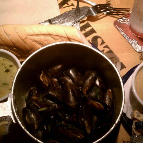 Pot O Mussels @ Bubba Gump Shrimp Co.