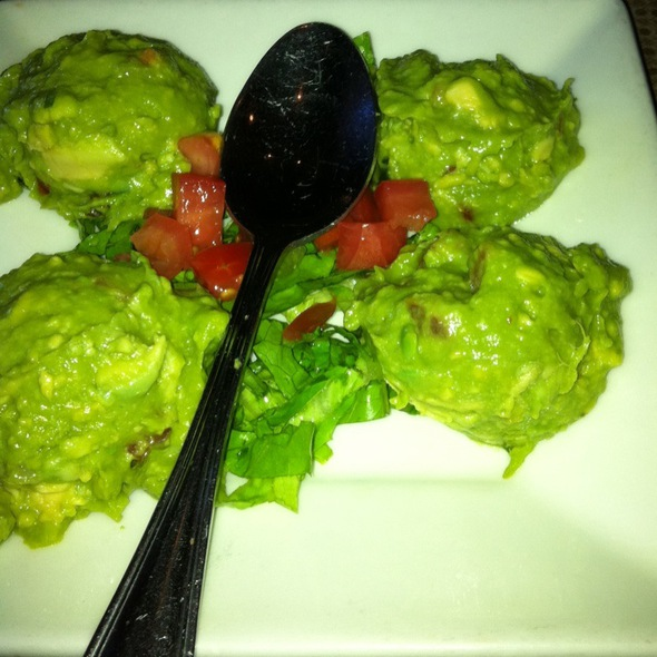 Guacamole @ Gloria's Restaurant At The Domain