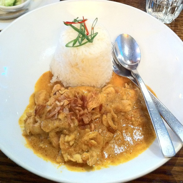 Yellow Curry With Chicken @ Spice I Am