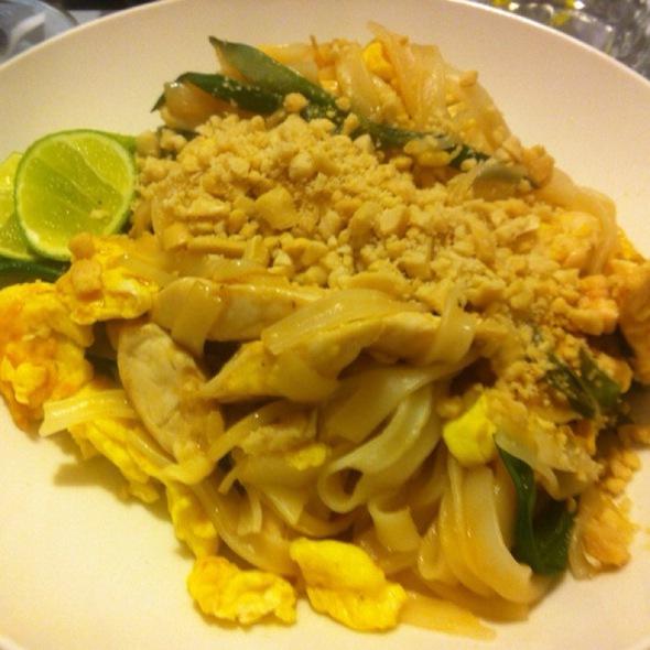Pad Thai @ Monrix Bistro!