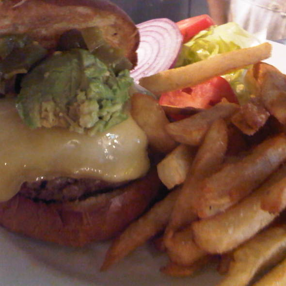 Avocado hamburger @ Lanskys