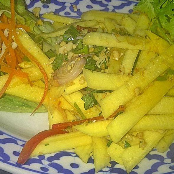 Mango Salad - Bangkok Garden, Toronto, ON