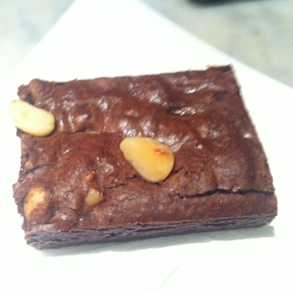 Macadamia And White Chocolate Brownie @ Sparrow