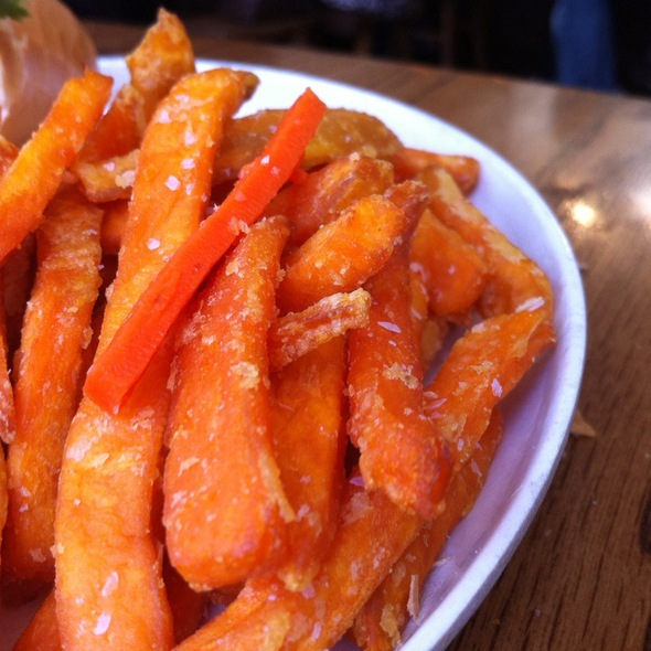 Sweet potato fries @ Bun Mee