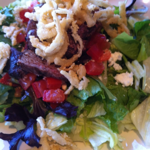Steakhouse Salad - Girvan Grille, Brooklyn Park, MN