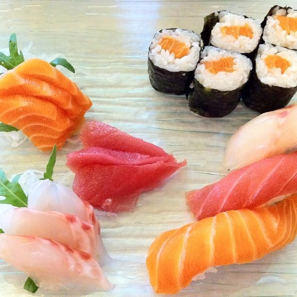 Sushi @ J's Hiro