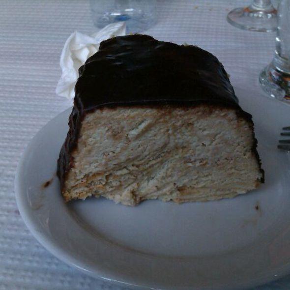 Bolo De Bolacha Com Natas E Chocolate @ Restaurante O Velho Farelo