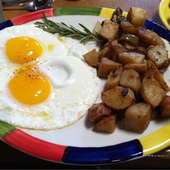 Eggs @ Big Sky Cafe