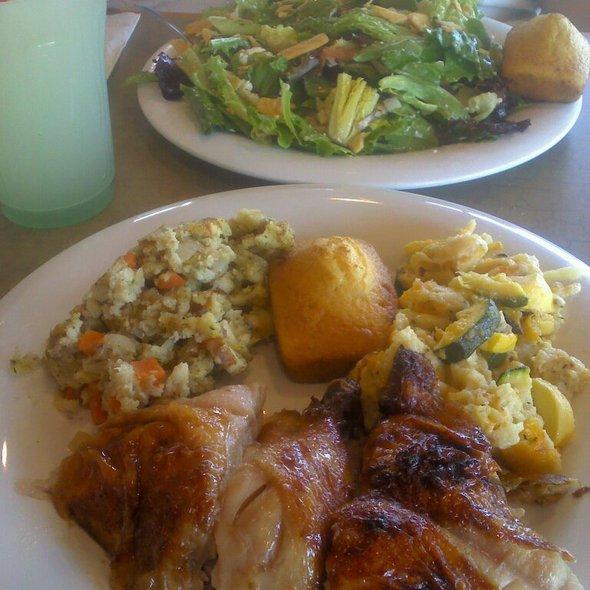 3 Piece Dark Meal & Caesar Salad @ Boston Market #1101