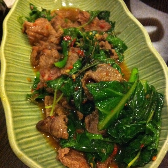 Stir Fried Beef With Basil Leaves