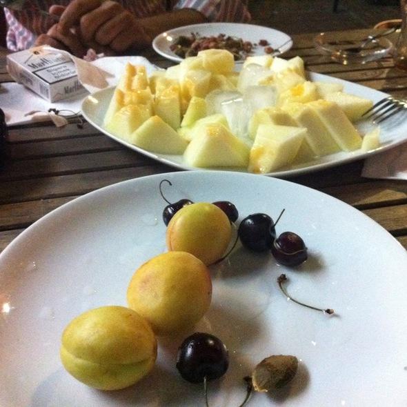 Peynir&Kavun @ Ayder Kurfasulye Salonu