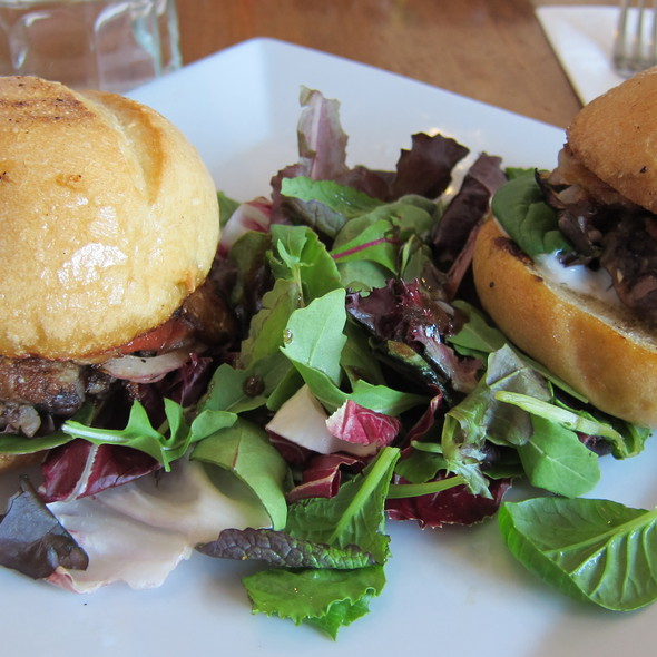 BBQ Bacon Sliders @ Flore Vegan Cuisine
