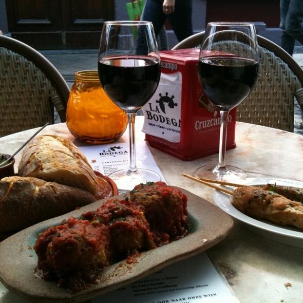 Tapa's and Rioja @ La Bodega Tapas-Vinos- Cerveceria